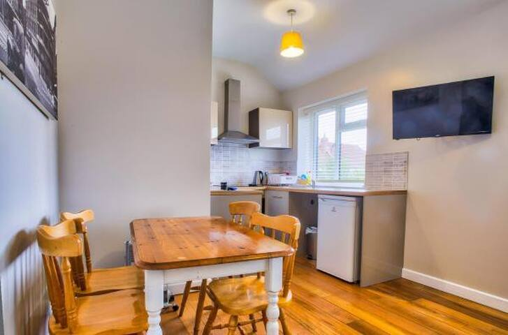 Easton(NR9 5EJ) - 2 Bedroom Apartment (Apt 4)