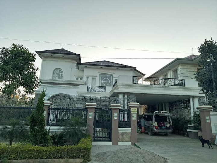 Ukk holiday retreat villa