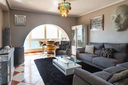 Luxury sea view apartment 10 yards from beach.