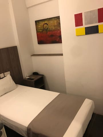 Private Room in St. Julians (1 bed only) Room B