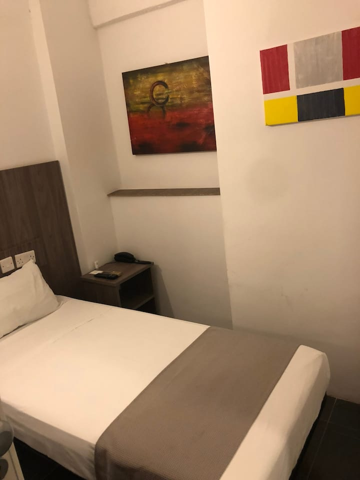 Private Hotel Room in St. Julians(1bed only) RoomB