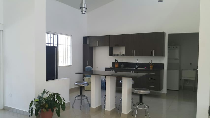 3 bedroom 3 beth 175m 504 land view - David - Rumah