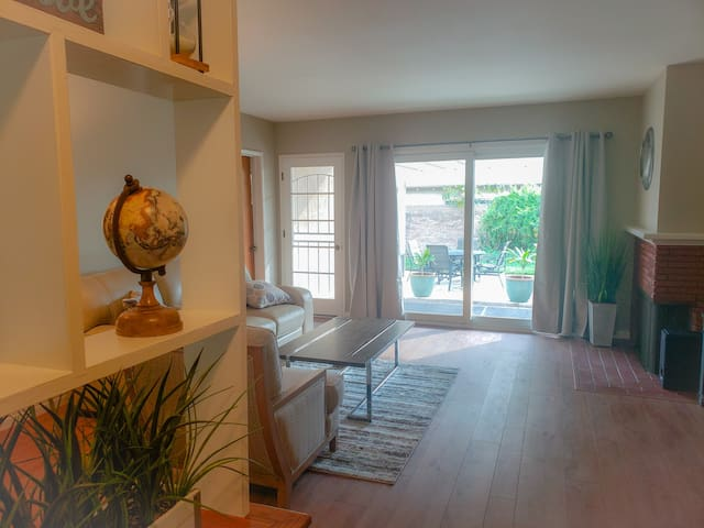 Private Master Bedroom w/ own restroom - Near LAX