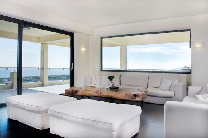 Luxury sea view apartment