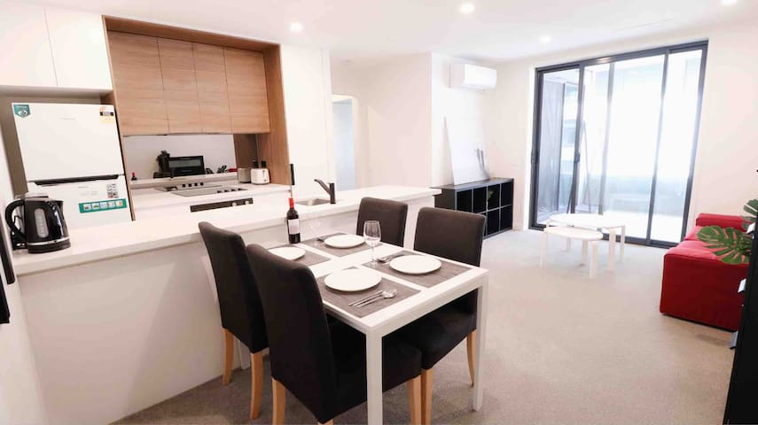 Entire Luxury City 1BR with Parking WiFi Netflix