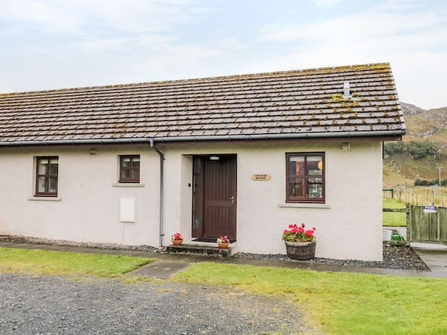 CHURCH HOUSE, country holiday cottage in Poolewe, Ref 984121