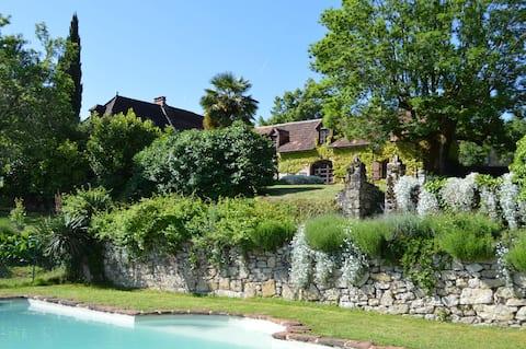 Couzedoux Barn