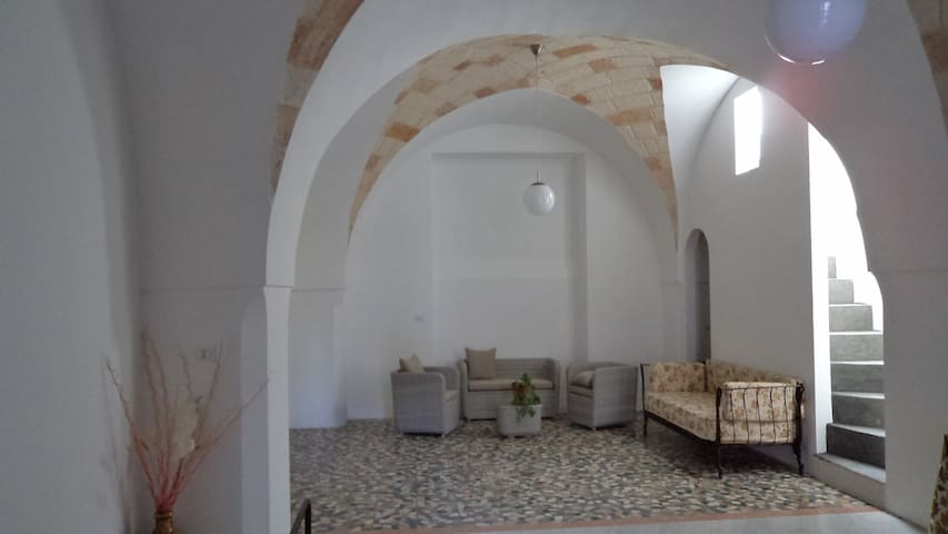 Stunning apartment in the Baroque square of Nardò - Nardò - House