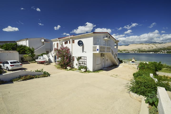 Apartment Smail (25291-A2) - Pag - island Pag