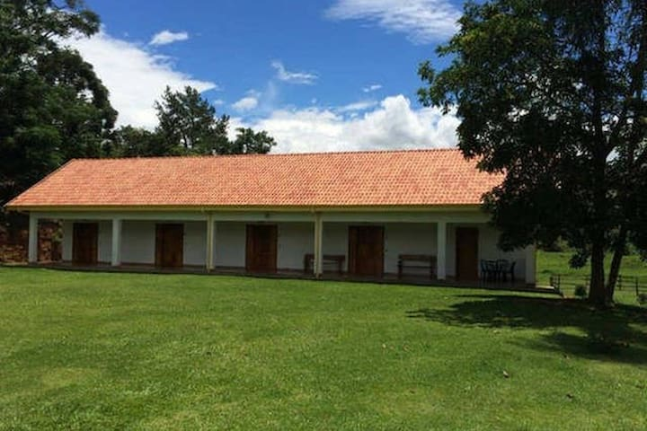 Pousada Recanto da Maya - Suite 1 - Santo antonio do pinhal - Bed & Breakfast