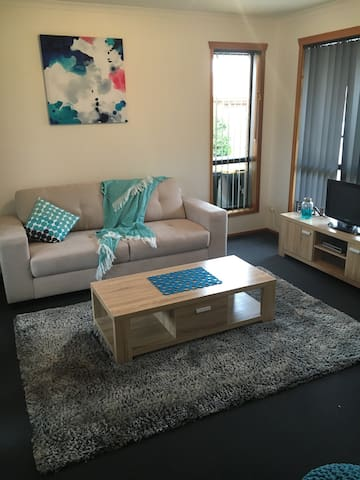Modern and fresh 2 bedroom unit