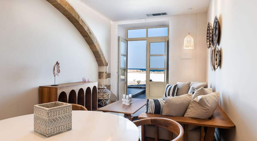 Sea front suite★Breakfast★50 m2