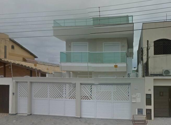 Alto Padrão 6 suítes 50M da praia da Enseada Linda