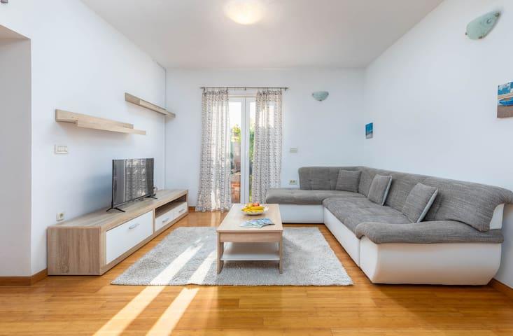 Apartment Marin