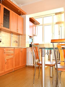 BOOK 3 NIGHTS GET 1 FREE*Fantastic Flat in Bishkek - Bischkek