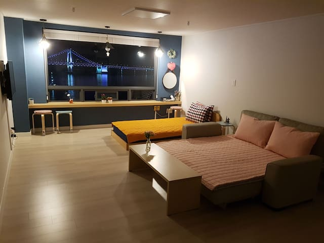 [NEW OPEN/OCEAN VIEW] KOKO HOUSE #Gwangalli Beach - Suyeong-gu (수영구) - Huoneisto