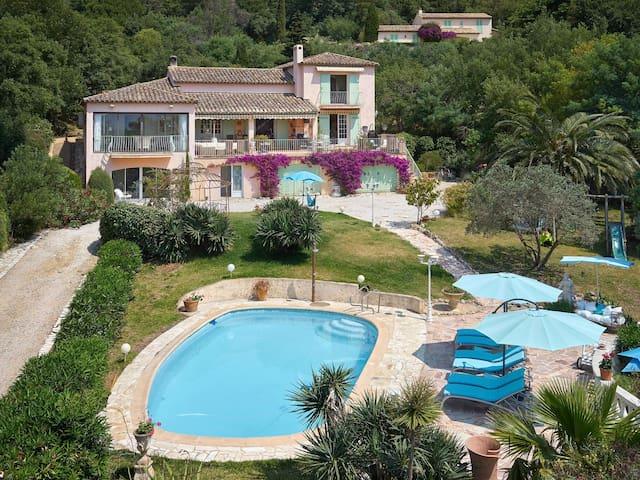 Splendide Villa dans le Golfe de Saint Tropez