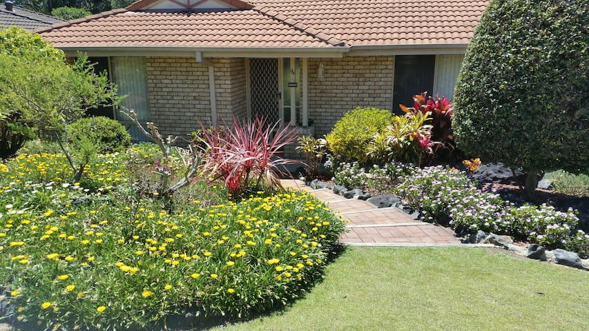 2 rooms in our Spa Retreat 5 mins from Sawtell - Boambee East