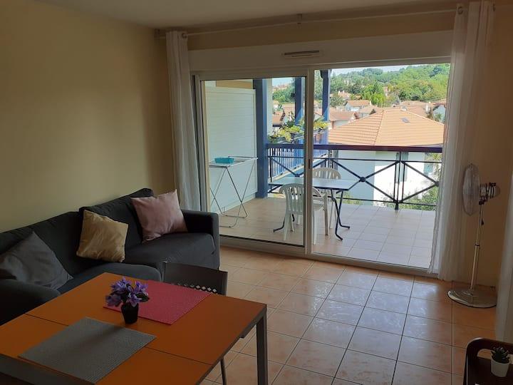 Bonito apartamento con terraza despejada
