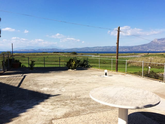 Cottage with view the sea ... - Corinth - Vakantiewoning