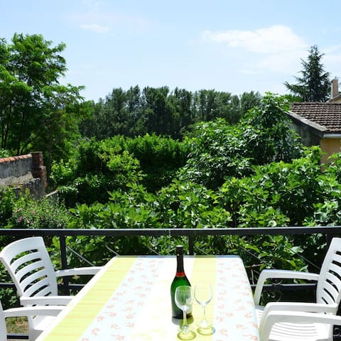 Charming house with big terrace in Esperaza