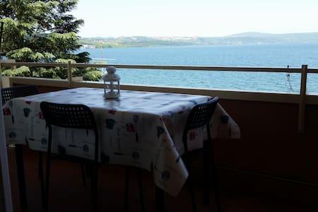 romantic studio with lake view - Anguillara Sabazia