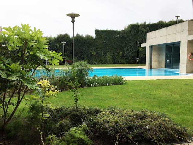 Porto/Gaia Apartment with swimming pool