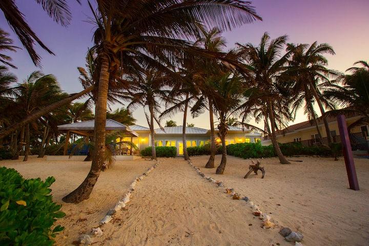 Coconut Beach: Secret Oasis w/ Private Beach + Spectacular Snorkeling
