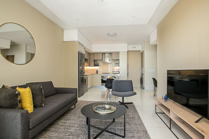 The Tyrwhitt 512  - One Bedroom Apartment Rosebank