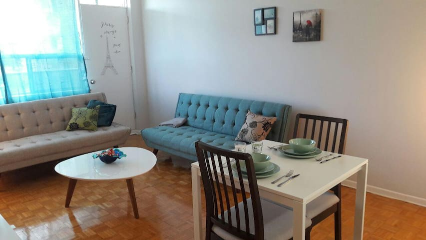 Cozy colorful one bedroom in heart of midtown.