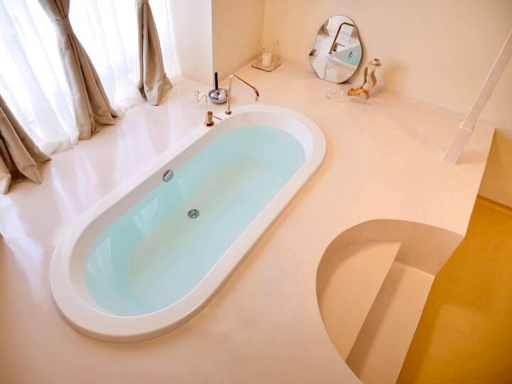 原宿|𝗹𝗶𝗧|旅居美学|超大浴缸|双屏巨幕②|春熙路口|楼下即是太古里