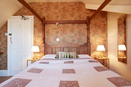 Fourposter Lodge - York