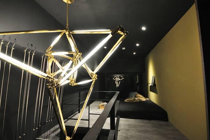 Duplex Studio - Designer's Place - Newly Remodeled