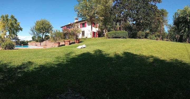 Villa Bagnole , the Birch Apartment