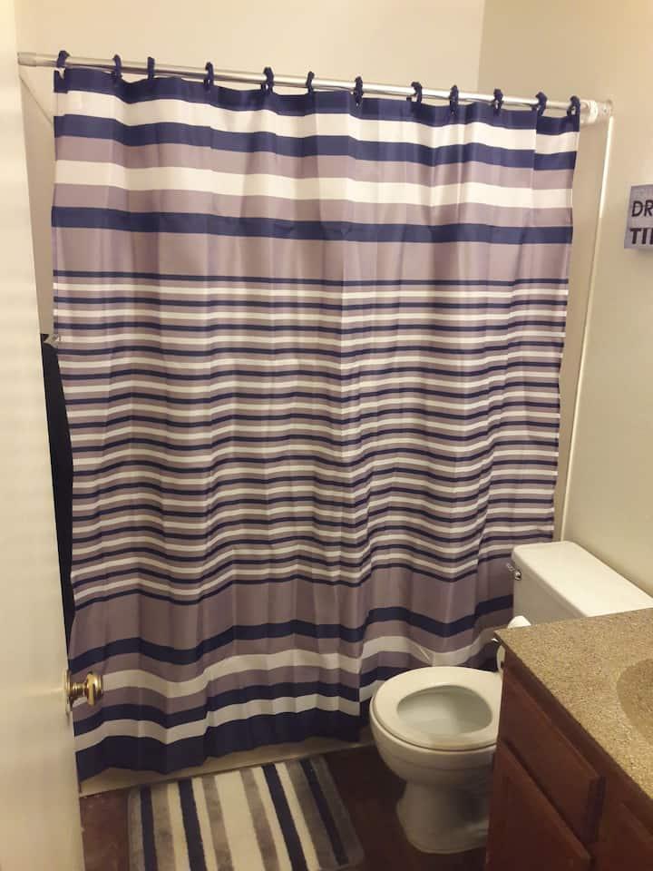 Private room and bathroom  N LAS Vegas.