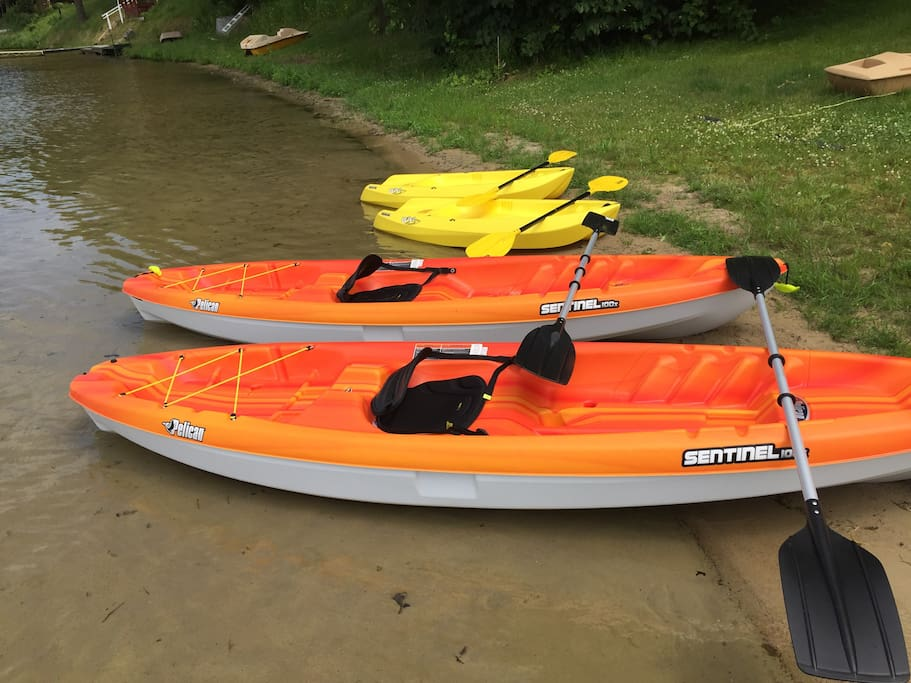 2 adult kayaks (each has a weight limit of 300 pounds) life jackets available and recommended.
