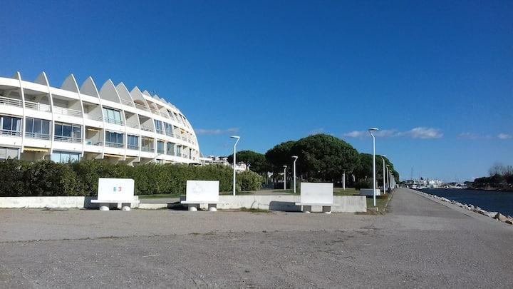 Port Camargue Plage Sud Acces Direct Plage Apartments For Rent In Le Grau Du Roi Occitanie France
