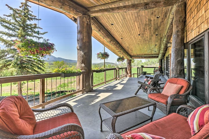 NEW! Paonia Apartment w/ Stunning Deck & Fire Pit!