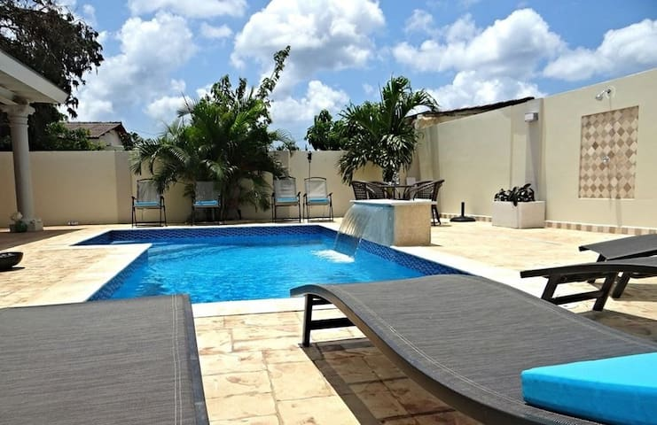 Gorgeous and affordable apartment with pool - Oranjestad - Apartamento