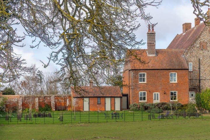 Ludham Hall Cottage