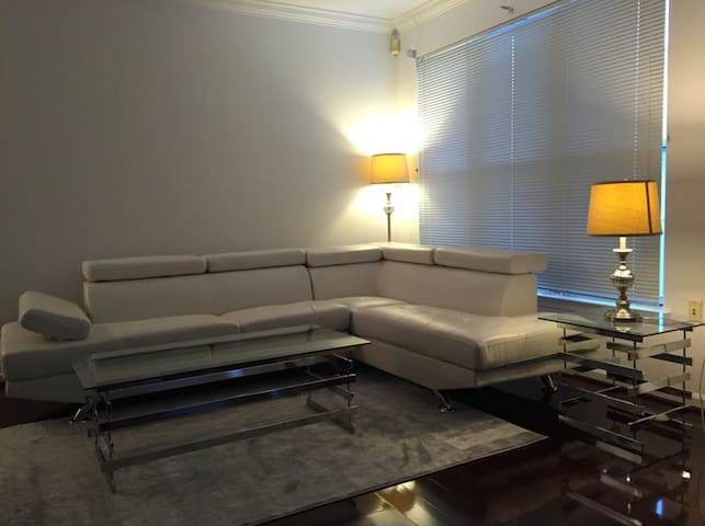 * 2 Bed 2 Bath Upgraded Apt * - Herndon - Lägenhet