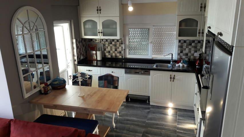 Luxery flat with swiming poll - Konyaaltı - Apartment