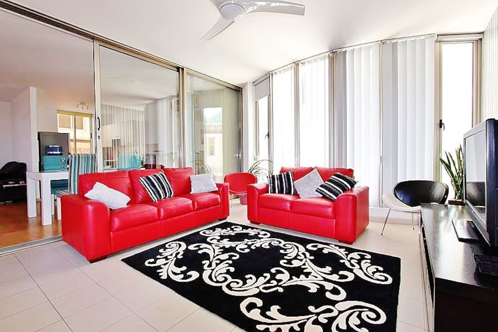 Comfortable settees and cable TV