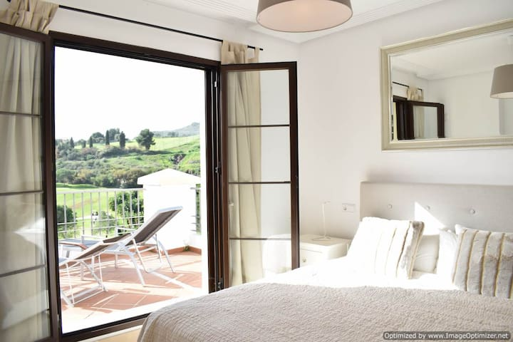 2 Bed Apartment, Benahavis, Great Views R138 - Benahavís - Flat