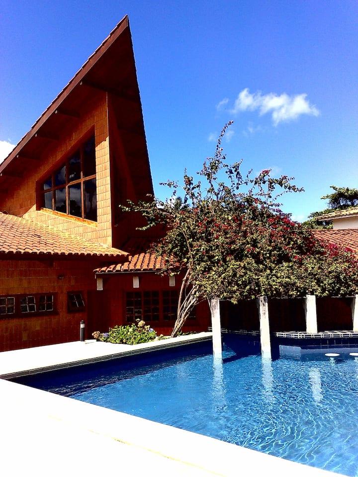 DE REVISTA-Casa Piscina/Churrasq-Barequeçaba,SP-BR