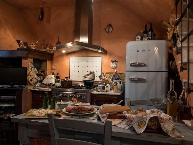 Nido Toscano - Casa nel Borgo di San Clemente - San Clemente In Valle - House
