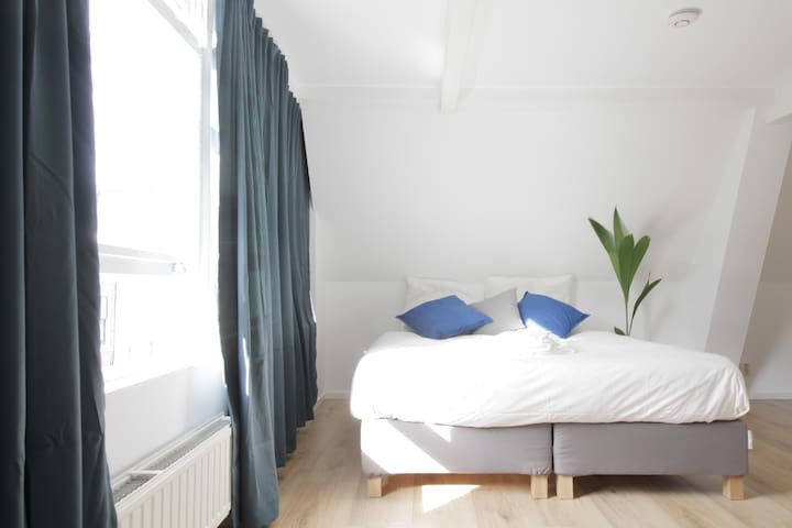 Private Studio in the heart of The Hague 2F