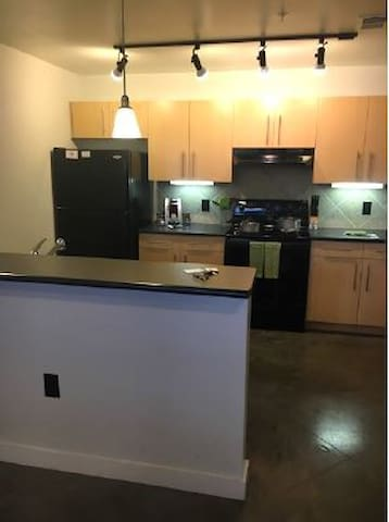 One bedroom In the heart of Downtown Austin