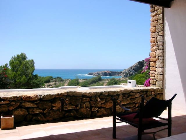 By the sea apartment / Non-touristy & Calm - Roca Llisa - Daire