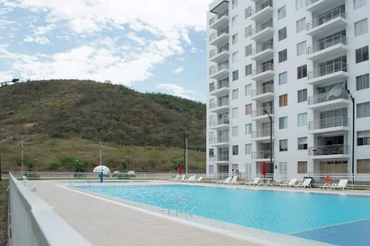 Comfortable 2 bedroom apartment with balcony and 3 pools